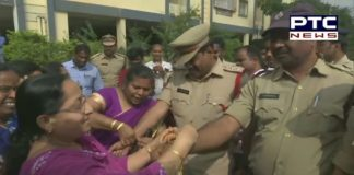 Hyderabad Horror: Neigbours of the woman veterinarian, tie rakhi to Police personnel