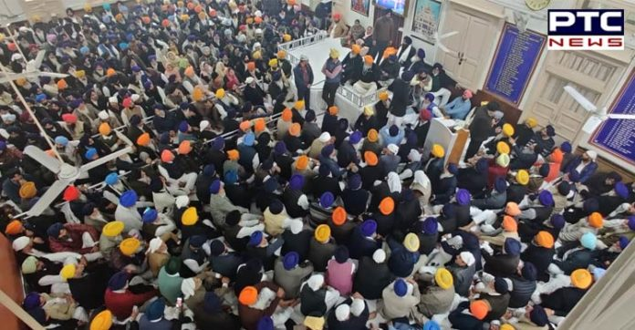 Shiromani Akali Dal Delegate Session During Read Different Resolutions , House approves