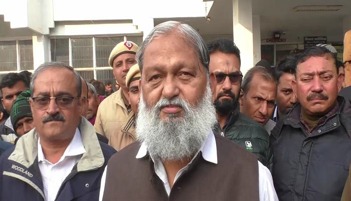 Anil Vij did surprise inspection of civil hospital Sirsa hi