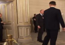 Russian President Vladimir Putin accompanied by 6 bodyguards while going to the bathroom [VIDEO]