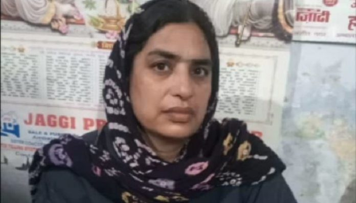 Woman says in front of Home Minister I killed my husband, sought hanging or jail