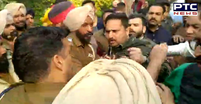 Ludhiana Congress Youth elections During Firing , Police lathi charge on Congressworker