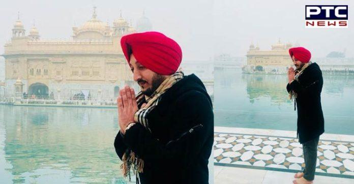 Punjabi Singer Inderjit Nikku At Sri Harmandir Sahib, Amritsar