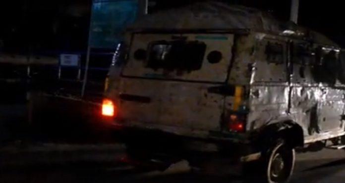 Jammu and Kashmir , Srinagar Grenade Attack , CRPF Jawan Injured