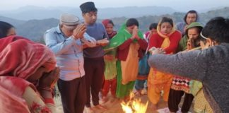 Himachal villagers performs yagya for elimination of Coronavirus