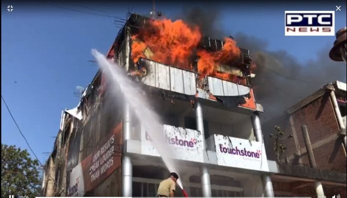 Chandigarh : Fire breaks out in show room of Sector-17