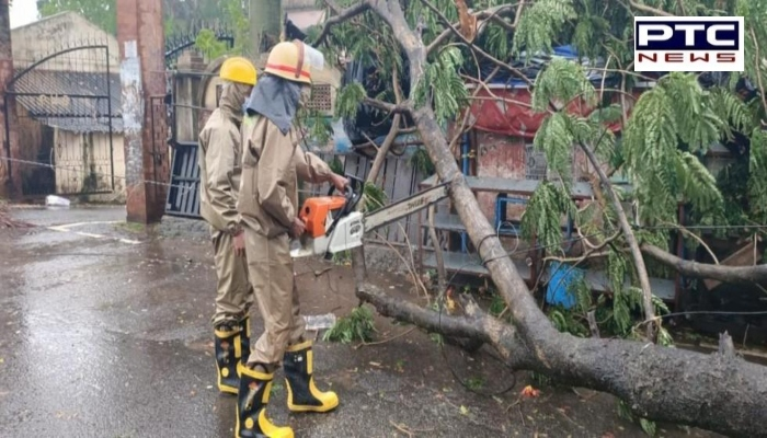 Cyclone Amphan: Heavy rainfall lashes Bengal & Odisha , over 6.5 lakh people evacuated