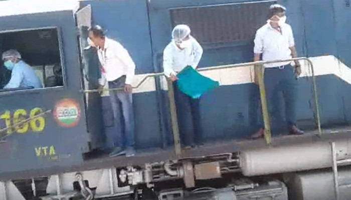 Special train departs from Hisar to Bihar with 1205 migrant workers