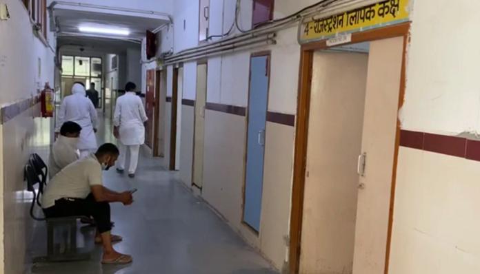 CM Flying's raid in Tehsil office   Land Registry in Haryana