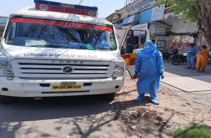 Corona Sample Test   Special medical van for Containment Zone