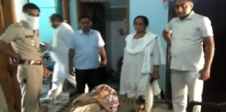 Daughter-in-law beat up 82-year-old elderly mother-in-law