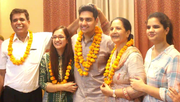 Hisar's Aparajit passed UPSC exam in First Attempt (2)