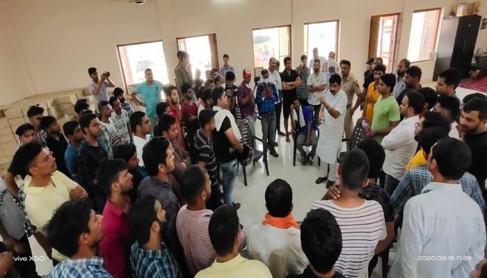 Balraj Kundu Supports Unemployed Youth National unemployment day (3)