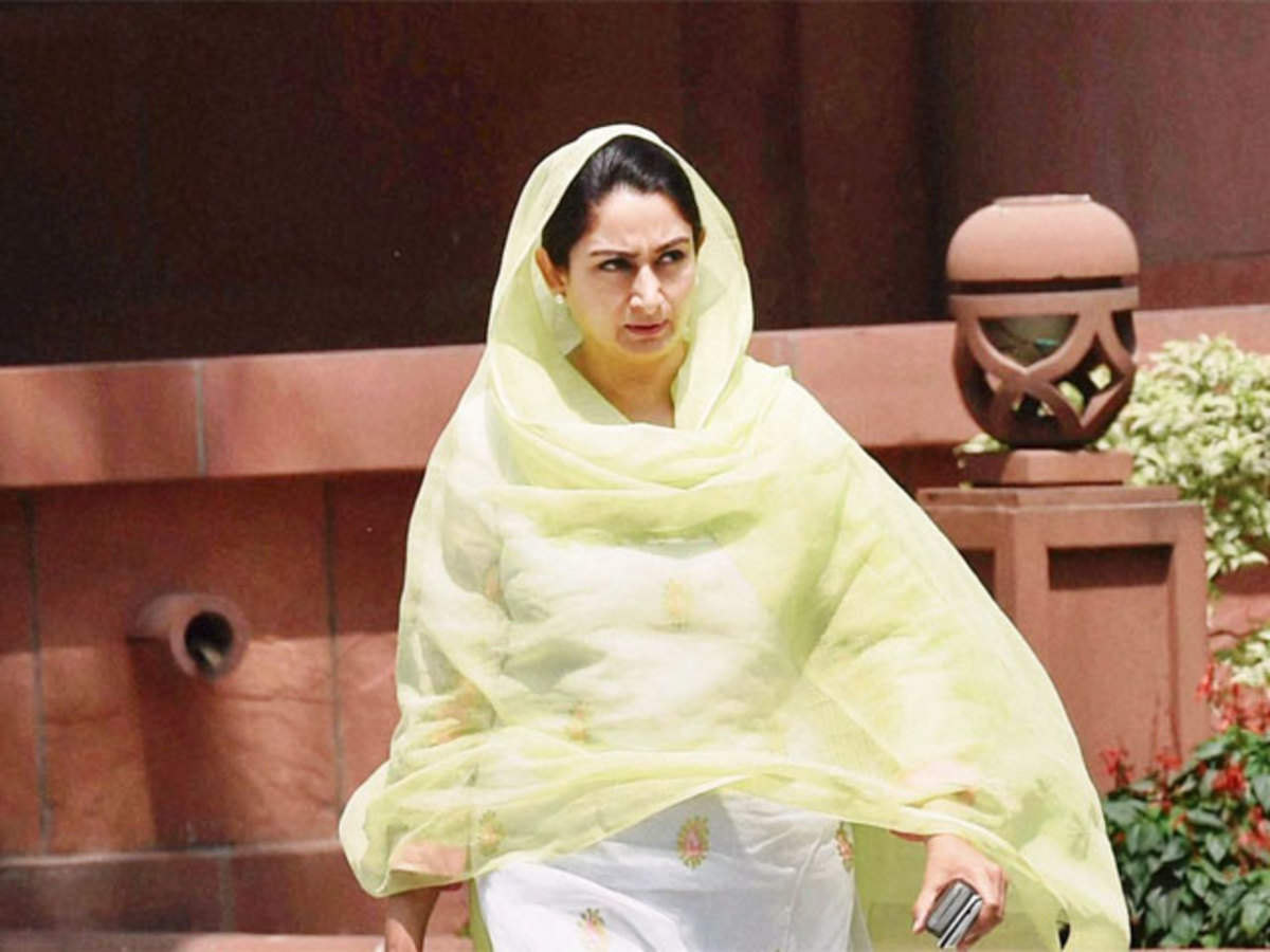 Farmers said Other leaders should also learn from Harsimrat Kaur Badal