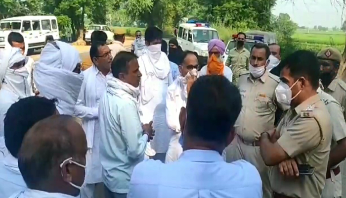 Police detained farmer leaders and traders going to Pipli Rally