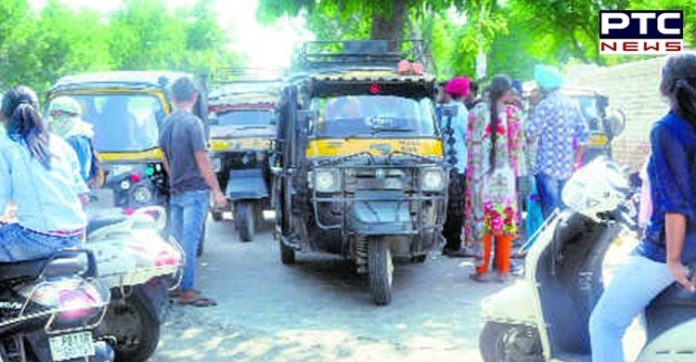 Patiala : Auto driver tried rape to girl in Auto,  attack with screwdriver