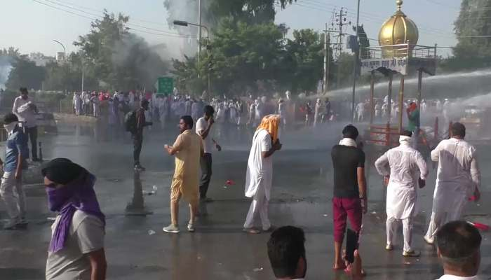 Water canon used on farmers in Sirsa   Haryana News