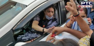 Congress workers gherao Smriti Irani in Varanasi after remark on Hathras rape case