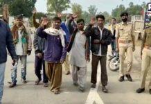 India releases 20 Pakistani fishermen and sends to Pakistan Attari-Wagah border