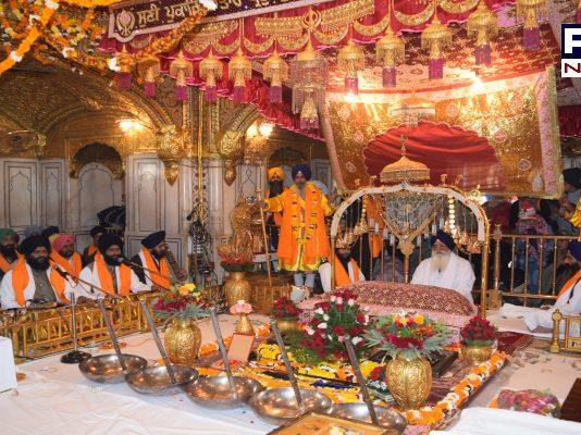 Sri harmandir sahib Prakash Purab Guru Nanak Dev Ji Alookik jalo in Amritsar
