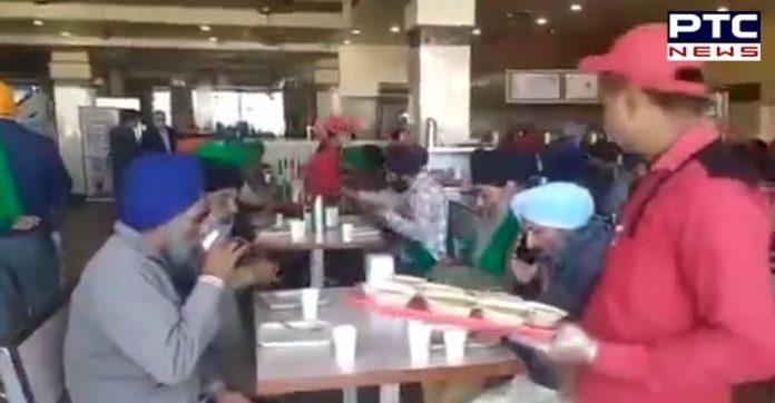 Dilli Chalo: Amrik Sukhdev Dhaba Murthal serves free food to farmers