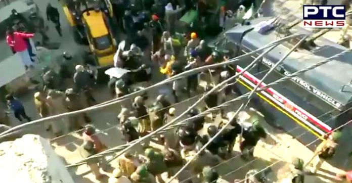 Dilli Chalo: Delhi Police resort to lathi-charge to stop farmers at Tikri border