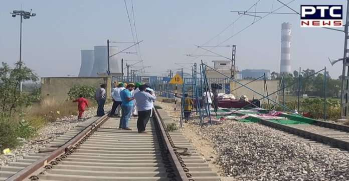Punjab govt: All rail tracks cleared; Centre says state govt. is 'misguiding'