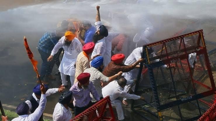 Bhiwani road accident: Punjab farmers are heading towards Delhi as a part of their 'Dilli Chalo' agitation to protest against farm laws 2020.