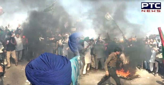 Dilli Chalo: Farmers burn PM Narendra Modi's effigy at Singhu border