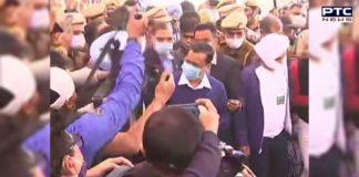 """Delhi CM Arvind Kejriwal visits Singhu border, says """"AAP supports Bharat Bandh"""""""