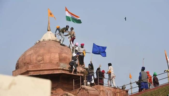 Following violence during farmers' tractor march in Delhi on Republic Day, Digvijaya Singh said farmers handed over 15 people who started violence.