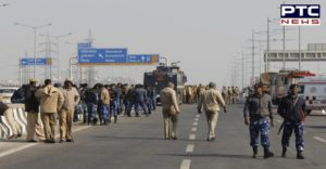 Farmers Protest at Ghazipur border , electricity cut off, heavy police presence