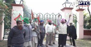 Farmers stop shooting of Bollywood actor Janhvi Kapoor Film in Patiala