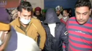 Shoot 4 farmers leaders : masked man viral video of youth arrested from Singhu border