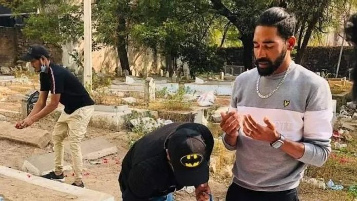 Mohammed Siraj visits father's grave after landing in Hyderabad