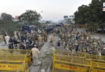 Delhi Police seals Tikri border and Jharoda border