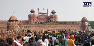 Farmers Tractor March Violence: People condemning hoisting of flags at Red Fort in Delhi, but there's a fact real farmers refused to put any other flag.