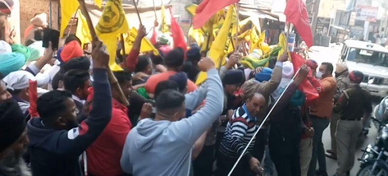 BJP Punjab president Ashwani Sharma against Farmers Protest in Nawanshahr