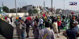 Himachal Pradesh: Amid farmers' chakka jam in India, Farmer Union Poanta Sahib, blocked Bangran chowk, one of the crowded streets in the area.