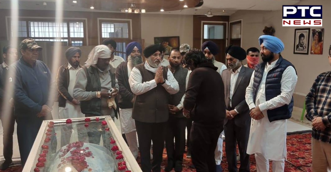 SAD leader Daljit Singh Cheema pays tribute to late Punjabi singer Sardool Sikander