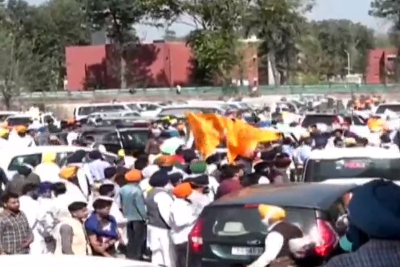 Shiromani Akali Dal with Sukhbir Singh Badal on Monday started marching towards the Punjab Vidhan Sabha ahead of the Budget session 2021.