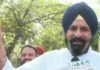 SAD MLAs protest outside Punjab Vidhan Sabha, distributes 'Meethiyan Goliyan'