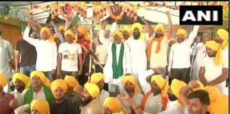 'Pagdi Langar' organised at Ghazipur border (Delhi-UP border) on the occasion of Shaheedi Diwas