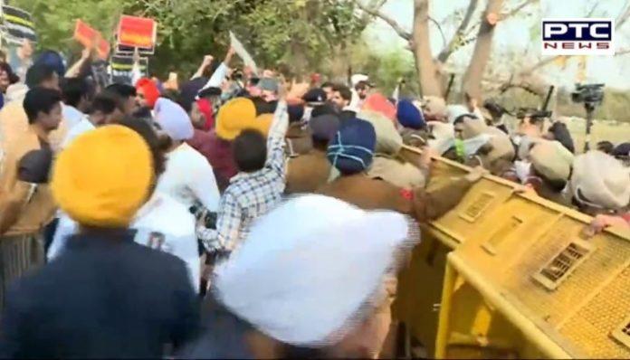 SAD MLAs Protest outside Vidhan Sabha before Punjab Budget, Police use water cannons
