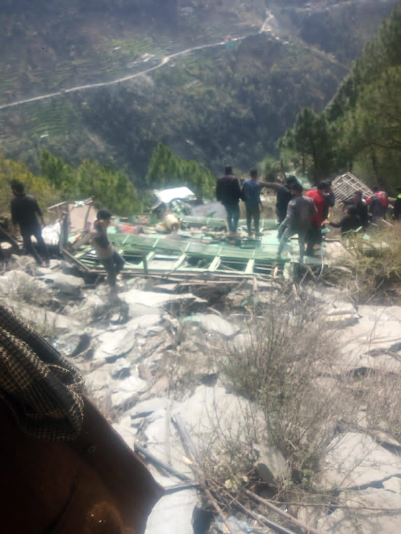 Chamba Road Accident: In a major road accident, a private bus fell into a deep gorge in Chamba, Himachal Pradesh.