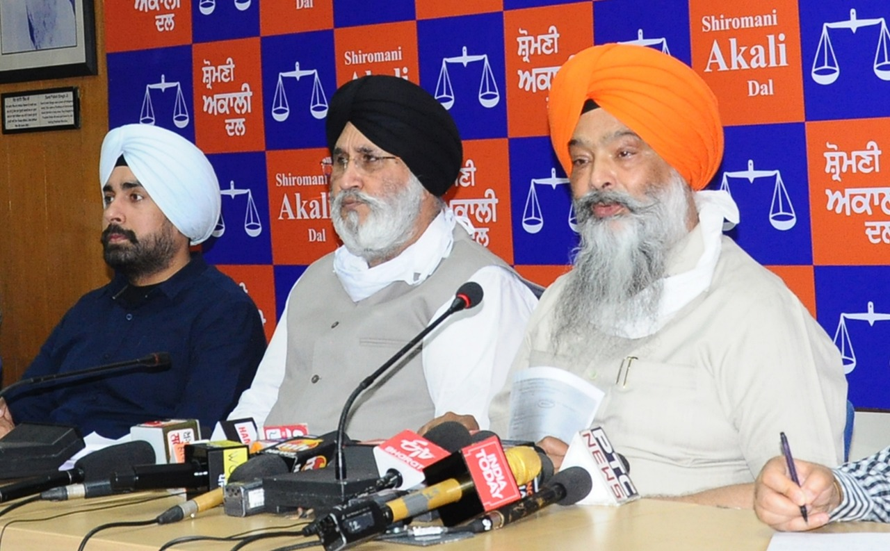 Shiromani Akali Dal condemned Congress government for delaying wheat procurement season in Punjab by ten days.