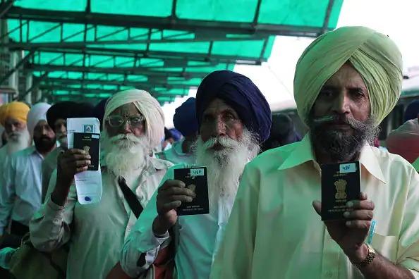 sikh jatha at attari border'