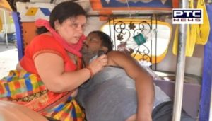 Agra : woman resuscitating dying Covid positive husband by breathing into mouth