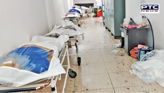COVID-19 : Emergency wards full in government hospitals , Patients given oxygen in ambulance