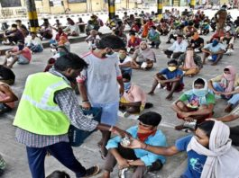 Coronavirus: SC directs Centre, Delhi, UP, Hry govts to provide dry ration to migrants